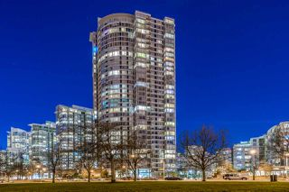 """Photo 21: 1908 1033 MARINASIDE Crescent in Vancouver: Yaletown Condo for sale in """"QUAYWEST"""" (Vancouver West)  : MLS®# R2467788"""