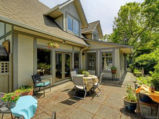 Photo 24: 1340 Manor Rd in Victoria: Vi Rockland House for sale : MLS®# 840521