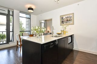"Photo 11: 404 2851 HEATHER Street in Vancouver: Fairview VW Condo for sale in ""Tapestry"" (Vancouver West)  : MLS®# R2512313"