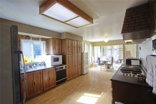 Photo 7: 874 Walfred Rd in Victoria: Residential for sale : MLS®# 283344