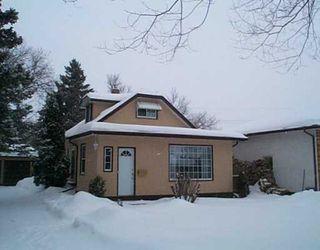 Photo 1: 245 KINGSFORD Avenue in Winnipeg: North Kildonan Single Family Detached for sale (North East Winnipeg)  : MLS®# 2601254