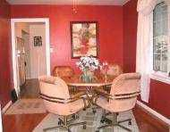 Photo 3: 245 KINGSFORD Avenue in Winnipeg: North Kildonan Single Family Detached for sale (North East Winnipeg)  : MLS®# 2601254