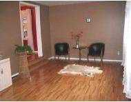 Photo 2: 245 KINGSFORD Avenue in Winnipeg: North Kildonan Single Family Detached for sale (North East Winnipeg)  : MLS®# 2601254