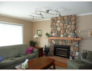 Photo 6: 6420 WILLIAMS Road in Richmond: Woodwards House 1/2 Duplex for sale : MLS®# V670127