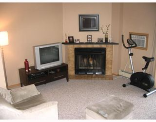 Photo 2: 90 PLAZA Drive in WINNIPEG: Fort Garry / Whyte Ridge / St Norbert Condominium for sale (South Winnipeg)  : MLS®# 2804144