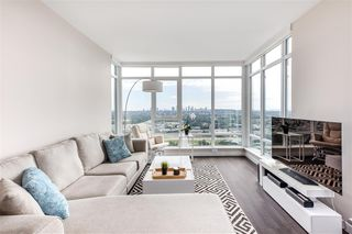 "Photo 4: 4301 4485 SKYLINE Drive in Burnaby: Brentwood Park Condo for sale in ""SOLO DISTRICT"" (Burnaby North)  : MLS®# R2390443"