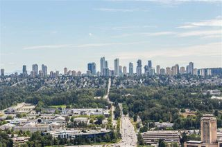 "Photo 14: 4301 4485 SKYLINE Drive in Burnaby: Brentwood Park Condo for sale in ""SOLO DISTRICT"" (Burnaby North)  : MLS®# R2390443"