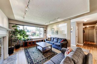 Photo 3: 1576 WESTOVER Road in North Vancouver: Lynn Valley House for sale : MLS®# R2470569