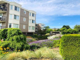 "Photo 30: 303 15357 ROPER Avenue: White Rock Condo for sale in ""Regency Court"" (South Surrey White Rock)  : MLS®# R2478208"