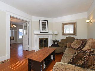 Photo 3: 1566 Yale St in Oak Bay: OB North Oak Bay Single Family Detached for sale : MLS®# 843936