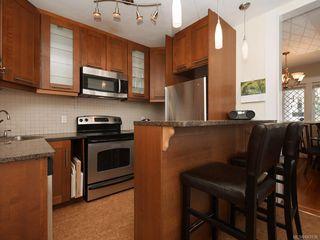 Photo 8: 1566 Yale St in Oak Bay: OB North Oak Bay Single Family Detached for sale : MLS®# 843936