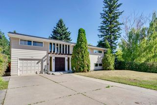 Photo 4: 2444 SOVEREIGN Crescent SW in Calgary: Scarboro/Sunalta West Detached for sale : MLS®# A1027099