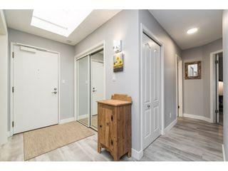 Photo 9: 404 1220 FIR STREET: White Rock Condo for sale (South Surrey White Rock)  : MLS®# R2493236