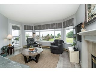 Photo 16: 404 1220 FIR STREET: White Rock Condo for sale (South Surrey White Rock)  : MLS®# R2493236