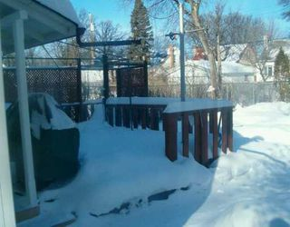 Photo 2: 267 MUNROE Avenue in Winnipeg: East Kildonan Single Family Detached for sale (North East Winnipeg)  : MLS®# 2701402