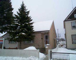 Photo 1: 842 SELKIRK Avenue in Winnipeg: North End Single Family Detached for sale (North West Winnipeg)  : MLS®# 2602742