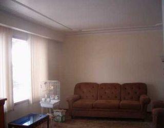 Photo 2: 842 SELKIRK Avenue in Winnipeg: North End Single Family Detached for sale (North West Winnipeg)  : MLS®# 2602742