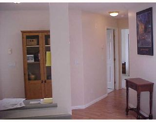 "Photo 5: 409 2960 PRINCESS Crescent in Coquitlam: Canyon Springs Condo for sale in ""THE JEFFERSON"" : MLS®# V653813"