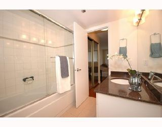 "Photo 26: 408 2201 PINE Street in Vancouver: Fairview VW Condo for sale in ""MERIDIAN COVE"" (Vancouver West)  : MLS®# V660401"