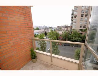 "Photo 24: 408 2201 PINE Street in Vancouver: Fairview VW Condo for sale in ""MERIDIAN COVE"" (Vancouver West)  : MLS®# V660401"