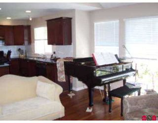 """Photo 5: 14 17097 64TH Avenue in Surrey: Cloverdale BC Townhouse for sale in """"The Kentucky"""" (Cloverdale)  : MLS®# F2720667"""