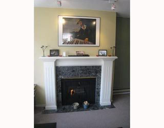 Photo 3: 209 937 W 14TH Avenue in Vancouver: Fairview VW Condo for sale (Vancouver West)  : MLS®# V700262