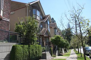 Photo 2: 8 35626 Mckee Road in Abbotsford: Abbotsford East Townhouse for sale : MLS®# R2391297