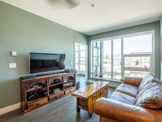 "Photo 7: 301 1628 W 4TH Avenue in Vancouver: False Creek Condo for sale in ""RADIUS"" (Vancouver West)  : MLS®# R2391036"