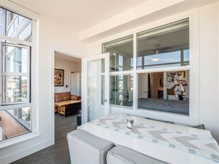 "Photo 10: 301 1628 W 4TH Avenue in Vancouver: False Creek Condo for sale in ""RADIUS"" (Vancouver West)  : MLS®# R2391036"