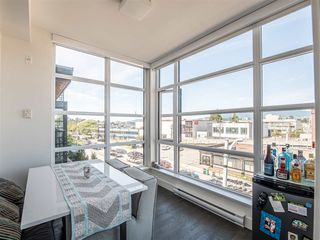 "Photo 9: 301 1628 W 4TH Avenue in Vancouver: False Creek Condo for sale in ""RADIUS"" (Vancouver West)  : MLS®# R2391036"