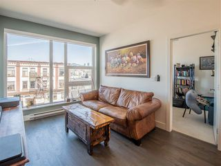 "Photo 2: 301 1628 W 4TH Avenue in Vancouver: False Creek Condo for sale in ""RADIUS"" (Vancouver West)  : MLS®# R2391036"
