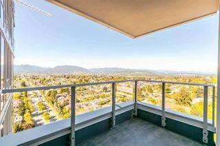 Photo 5: 2805 5515 BOUNDARY Road in Vancouver: Collingwood VE Condo for sale (Vancouver East)  : MLS®# R2399253