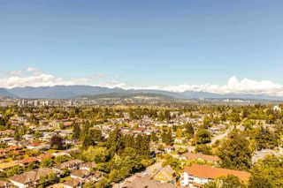 Photo 4: 2805 5515 BOUNDARY Road in Vancouver: Collingwood VE Condo for sale (Vancouver East)  : MLS®# R2399253