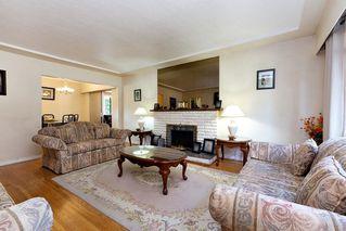 Photo 3: 764 ADIRON Avenue in Coquitlam: Coquitlam West House for sale : MLS®# R2410266