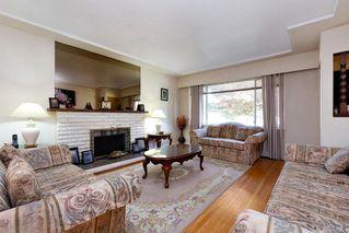 Photo 2: 764 ADIRON Avenue in Coquitlam: Coquitlam West House for sale : MLS®# R2410266