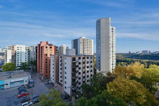Photo 18: 904 10028 119 Street in Edmonton: Zone 12 Condo for sale : MLS®# E4176098