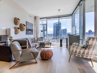 "Photo 3: 1101 638 BEACH Crescent in Vancouver: Yaletown Condo for sale in ""ICON"" (Vancouver West)  : MLS®# R2447929"