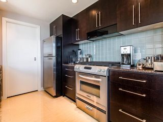 "Photo 6: 1101 638 BEACH Crescent in Vancouver: Yaletown Condo for sale in ""ICON"" (Vancouver West)  : MLS®# R2447929"