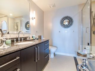 "Photo 13: 1101 638 BEACH Crescent in Vancouver: Yaletown Condo for sale in ""ICON"" (Vancouver West)  : MLS®# R2447929"