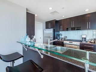 "Photo 7: 1101 638 BEACH Crescent in Vancouver: Yaletown Condo for sale in ""ICON"" (Vancouver West)  : MLS®# R2447929"