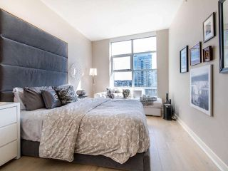 "Photo 12: 1101 638 BEACH Crescent in Vancouver: Yaletown Condo for sale in ""ICON"" (Vancouver West)  : MLS®# R2447929"