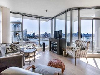 "Photo 2: 1101 638 BEACH Crescent in Vancouver: Yaletown Condo for sale in ""ICON"" (Vancouver West)  : MLS®# R2447929"
