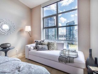 "Photo 11: 1101 638 BEACH Crescent in Vancouver: Yaletown Condo for sale in ""ICON"" (Vancouver West)  : MLS®# R2447929"