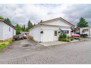 "Photo 1: 3 4426 232 Street in Langley: Salmon River Manufactured Home for sale in ""WESTFIELD COURT"" : MLS®# R2479123"