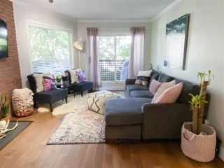 "Photo 4: 203 1935 W 1ST Avenue in Vancouver: Kitsilano Condo for sale in ""KINGSTON GARDENS"" (Vancouver West)  : MLS®# R2495106"