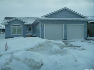 Photo 1: 604 Forester Crescent in Tisdale: Residential for sale : MLS®# SK839147
