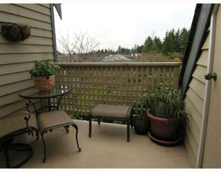 """Photo 10: 407 1000 BOWRON Court in North_Vancouver: Roche Point Condo for sale in """"PARKWAY TERRACE"""" (North Vancouver)  : MLS®# V639394"""