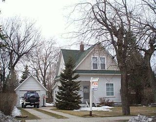 Main Photo: 266 WHYTEWOLD Road in Winnipeg: St James Single Family Detached for sale (West Winnipeg)  : MLS®# 2604392
