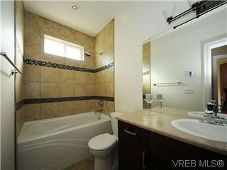 Photo 9: 277B Michigan in VICTORIA: Vi James Bay Townhouse for sale (Victoria)  : MLS®# 296931