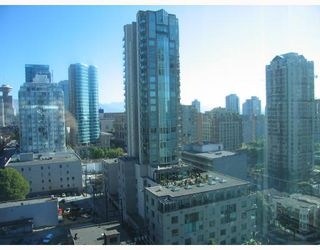 "Photo 2: 1602 928 RICHARDS Street in Vancouver: Downtown VW Condo for sale in ""SAVOY"" (Vancouver West)  : MLS®# V670073"